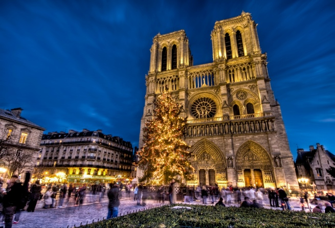 Christmas-at-Notre-Dame-christmas-622308_1024_698