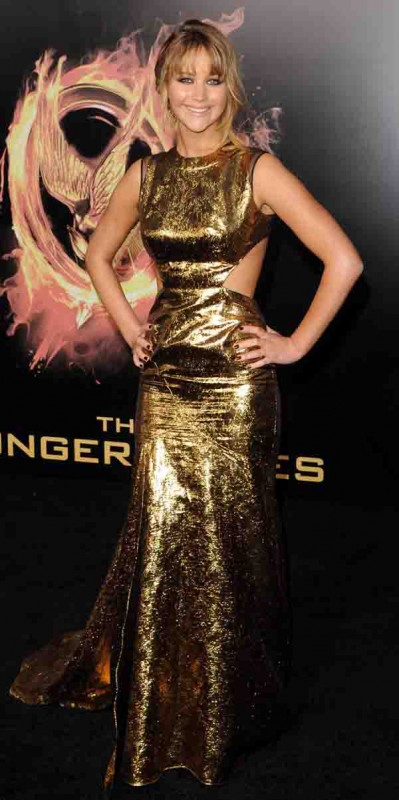Jennifer-Lawrence-Dress-at-The-Hunger-Games-Premiere-399x800