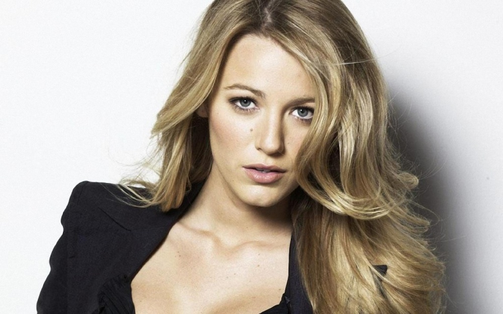 blake-lively-close-up-wallpapers_30004_1280x800.jpg
