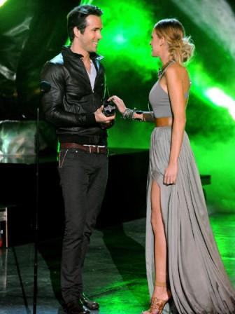 blake-lively-ryan-reynolds-2010-spike-tv-awards