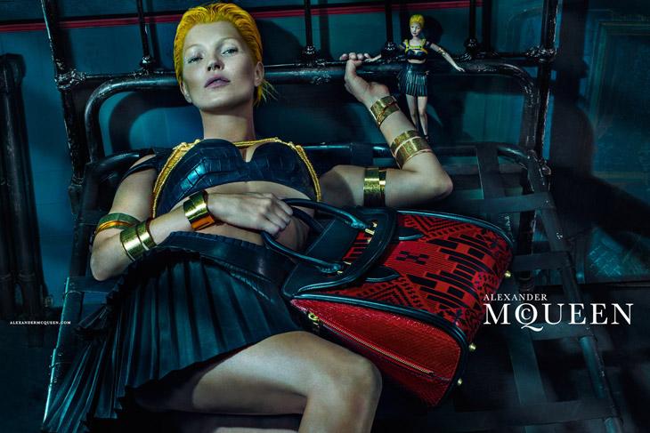 Kate-Moss-Alexander-McQueen-SS14-12